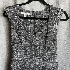 MAGGY LONDON BLACK & WHITE FITTED DRESS